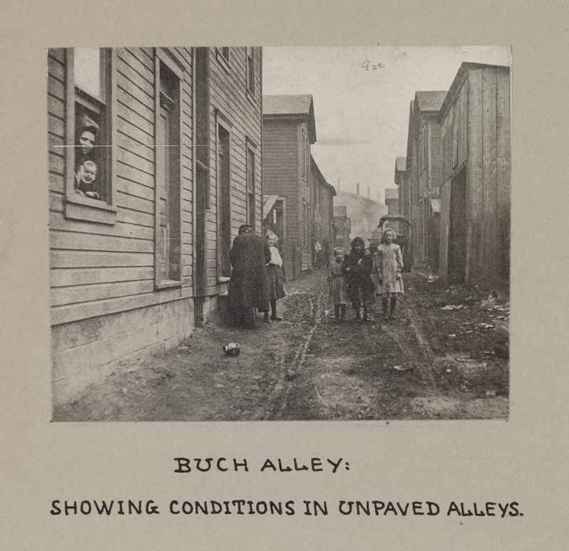 Buch Alley in Pittsburgh, ca. 1903